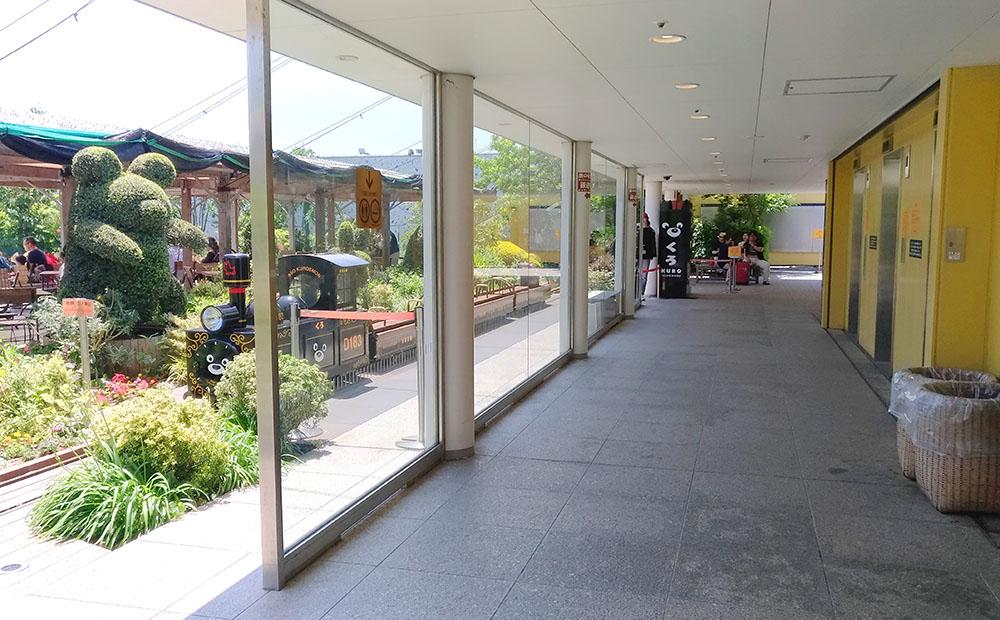 JR博多シティ屋上のつばめの杜ひろばの入り口