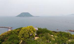 唐津城から見える高島